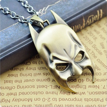 Batman mask pendant necklace (Color: Bronze)