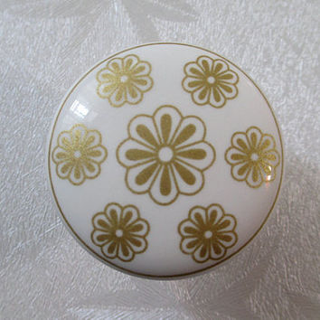 White Dresser Knob / Ceramic Knobs / Kitchen Cabinet Knobs / Gold Flower Drawer Knobs Pulls Handles Cupboard Door Knob Pull Handle Hardware
