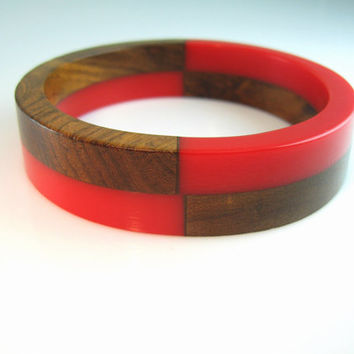 Bakelite Bracelet Bangle Laminated Walnut Wood Chunky Vintage 1940s Early Plastic Retro Jewelry Red & Brown