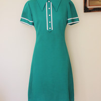 Vintage 1960s Green Verona Knits T Shirt Style Dress With White Trim And Buttons