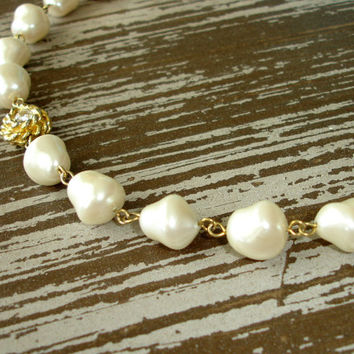 Vintage Pearl Necklace, Ivory Faux Glass Nugget Pearls, Rhinestone Flowers, Costume Estate Jewelry