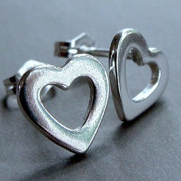 Valentine Jewelry Heart Post Stud Earrings in Sterling Silver