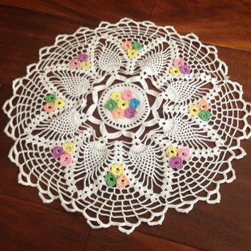 Vintage Trinket Doily Intricate White Lace, Pastel Flowers, hand woven radial star design round table runner Scalloped Edge cottage antique