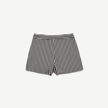 STRIPED SHORTS DETAILS