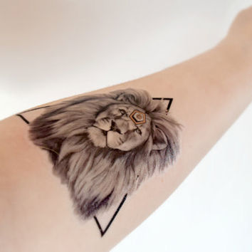 Geometric Lion temporary tattoo - King, Strong, Triangle