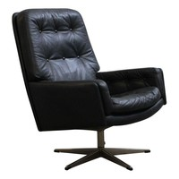 Pre-owned Danish Tufted Leather Vintage Swivel Lounge Chair