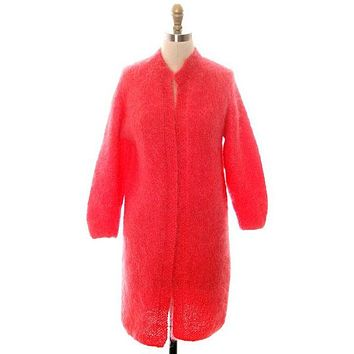 Vintage Ladies Mohair Sweater Coat Perfect Coral Easy To Wear Handknit 1960s 40 Bust