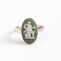Vintage Sterling Silver Venus & Cupid Wedgwood Cameo Ring - Retro Size 7 English Oval Green Jasperware London 1970s Greek Mythology Jewelry