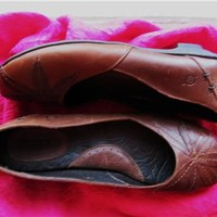 BORN SHOES RUSTY  BROWN LEATHER LOAFERS W LOGO !SIZE 9 M /40.5 !MADE IN MEXICO