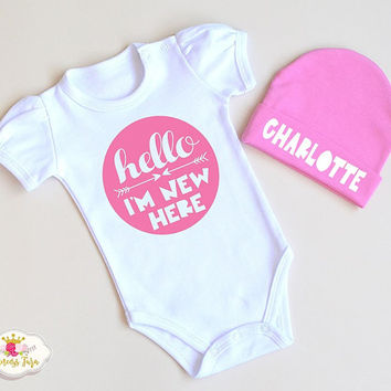 Newborn Baby Outfit. Hello I'm New Here Baby Clothes. Coming Home Outfit. Newborn Girl Clothes. Baby Shower Gift.