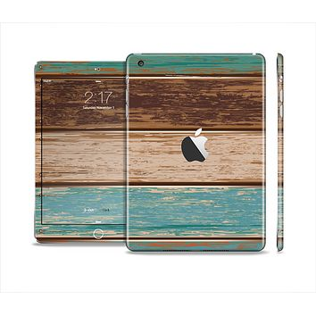 The Wooden Planks with Chipped Green and Brown Paint Full Body Skin Set for the Apple iPad Mini 2
