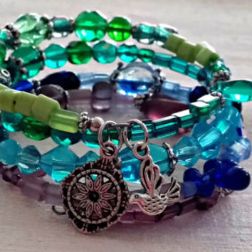 Memory Wire Wrap Bracelet, Bird Charm Bracelet, Multi Color Bracelet, Green, Aqua, Blue, Purple, Colorful Bracelet, Boho ANIMAL Collection