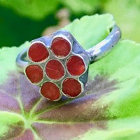 Vintage Red Coral Inlay Flower Ring Sterling Silver Size: 6