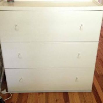 Ikea Vinstra 3 dwr dresser & matching side table