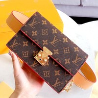 Free Shipping-LV 2019 New Retiro Handbag Chest Pocket