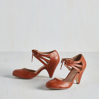 Vintage Inspired Shimmy My Way Heel in Caramel by Restricted from ModCloth
