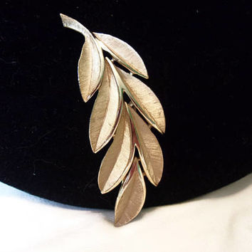 "Trifari Vintage Estate Leaf Shiny & Brushed Gold Brooch Pin 2 3/4"" Minty 1960's"