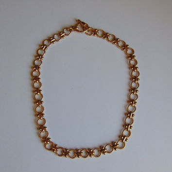Vintage 17 inch Gold tone Circle Link Necklace