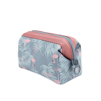 2017 New Design Portable Cosmetic Bag Travel Cosmetics Bag Trousse De Maquillage Necessaire Women Waterproof Toiletry Kits