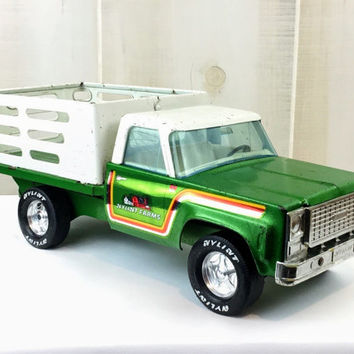 Vintage 1970's Nylint Farms Steel Toys - Pressed Steel Metal Toy Farm Pickup Truck