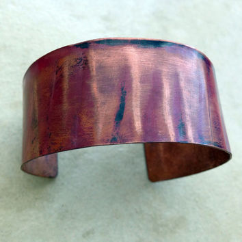 Rustic copper cuff bracelet, hammered textured flamed handforged wide band, handmade copper jewelry, line pattern rustic red patina