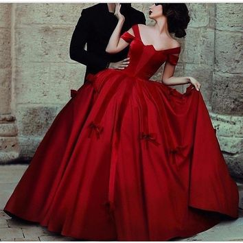Don's Bridal New Arrivals burgundy prom dresses vestido de formatura Ball Gown Taffeta And Velvet Red Carpet Dress