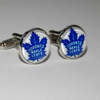 Maple Leafs hockey logo cufflinks, Maple Leafs jewelry, hockey NHL logo cufflinks, sports team, hockey jewelry, groomsmen wedding cufflinks