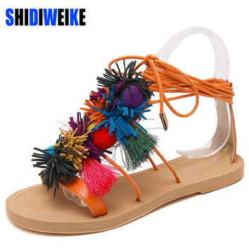 Summer New Colorful Fringe Flower Ball PomPom Sandals Sandals Flat with Roman Gladiator High Lace Thong Flip Flop Shoes Woman