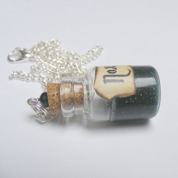 Nox Pendant, Nox Necklace, Miniature Bottle Necklace, Wish Bottle, Mini Bottle Pendant, Potion Necklace Food Jewellery Potion Pendant Kawaii