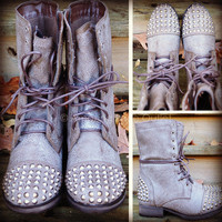 Zeppelin Series Studded Ice Combat Boots