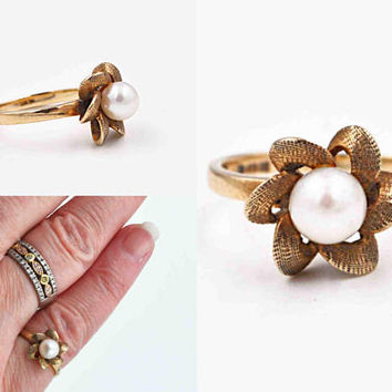 Vintage 10K Yellow Gold & White Pearl Ring, Freshwater Pearl, Flower, Pinwheel, Textured, 3D, Size 4 3/4, So Lovely! #c422