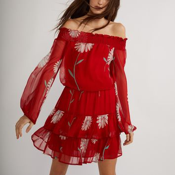 Red Off-Shoulder Daisy Print Dress