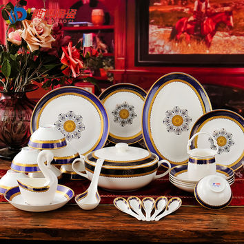 A Set European Style 56 Head Bone China Royal Classical Blue Tableware Dishes Business Wedding Gift Porcelain Dinnerware Sets