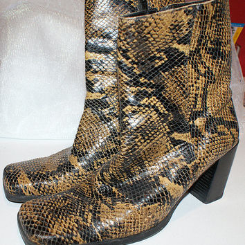 Gorgeous Vintage 100% Natural Leather Faux Snakes Skin Bandolino Boho Boots...