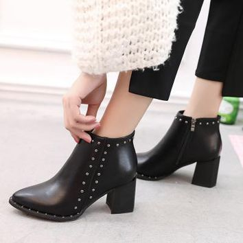 Black Casual  Pointed Toe Buckle Warm  Women Ankle Boots