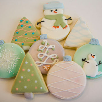 One dozen ornament cookies