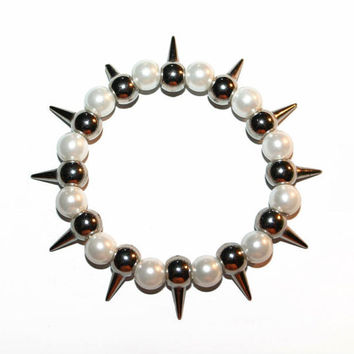Spiked Pearl bracelet
