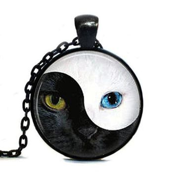 Alice In Wonderland Vintage Ying Yang Cat Eye glass pendant cat necklace personality Art picture necklace women men jewelry
