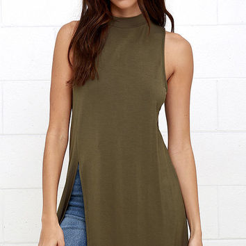Solid Color Sleeveless Knit Slit Shirt