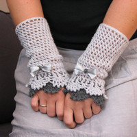 Grey  Victorian lace mittens by GreyHeartOfStone on Etsy
