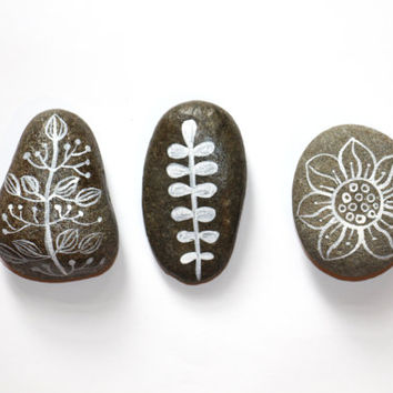 Meditational rocks  Painted Rocks  Painted by sublimecolors