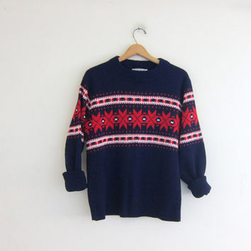 vintage boyfriend sweater. Blue, red and white knit pullover snowflake ski sweater. size L