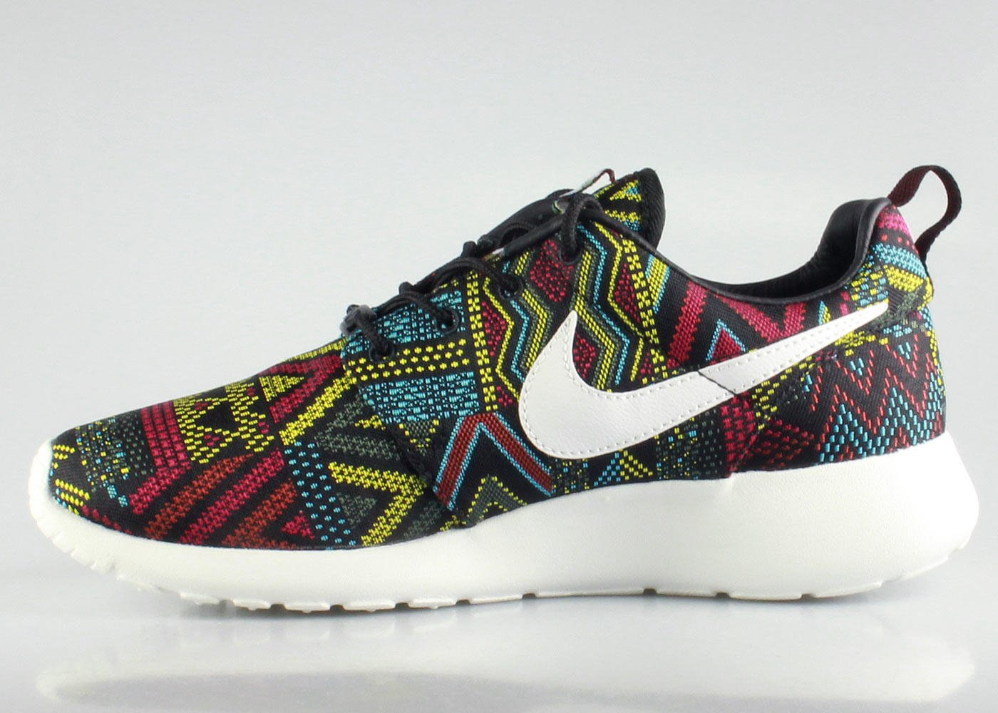 purchase cheap be391 ddf73 Nike Women s Roshe Run BHM - Black from KickzStore