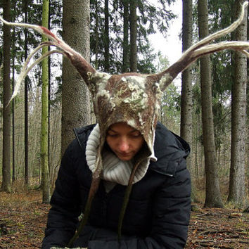 The King of the Forest Animal Antlers Hat - the perfect headgear for a druid elf cosplay - handmade with life-sized Stag / Deer felt antlers