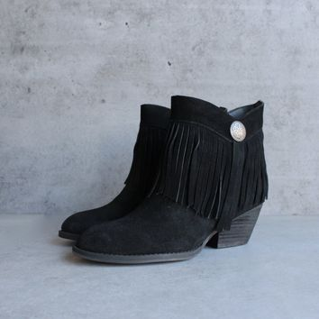 final sale - sbicca - pinto fringe ankle boots - black