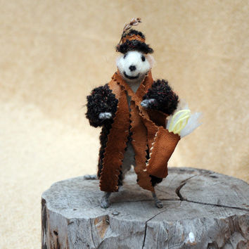 Felt mouse Adorable mouse Montgomery ! This needle felted miniature animal is a great gift!