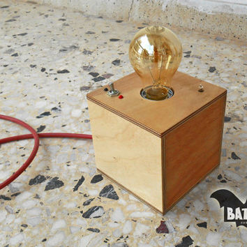 BAT™ ART Desk lamp cube plywood with vintage Toggle Switch - Lighting Fixture - Vintage rubber wire - E27 metal lamp holder -Indication lamp