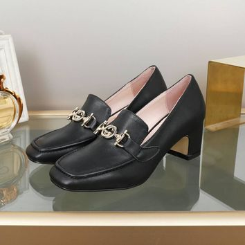 New Arrivals Top Quality GUCCI GG Bee Slip-On Women Fashion Leather Rivet Pointed Toe Flats Shoes black