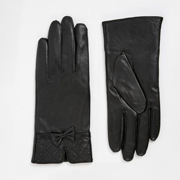Totes Leather Glove With Quilted Cuff Detail