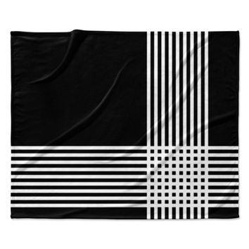"Trebam ""Krizanje v2"" White Black Fleece Throw Blanket"